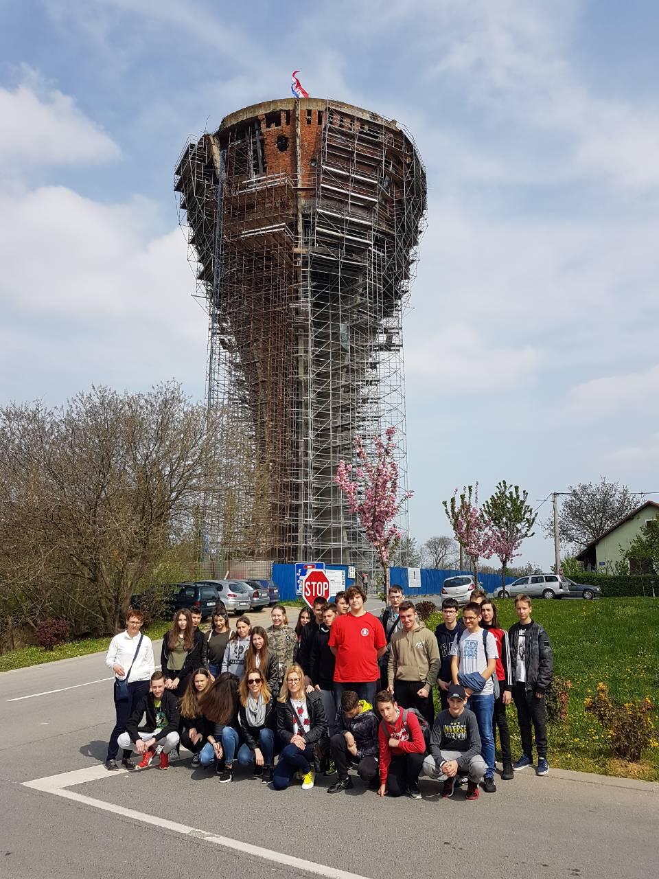 Posjet Učenika Osmih Razreda Vukovaru Osnovna škola Omišalj